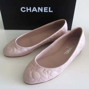 CHANEL Quilted Camellia CC logo flats 5.5 US/ 35.5